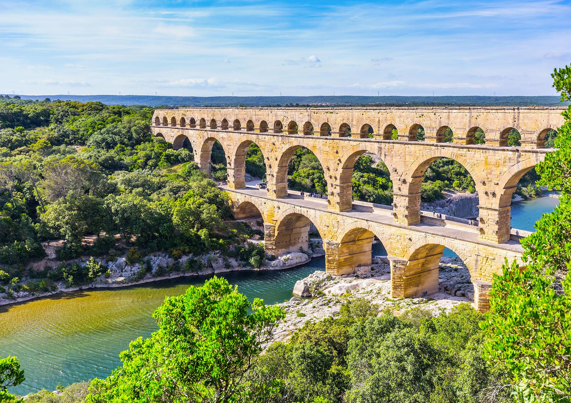 lieu-incontournable-cevennes-pont-du-gard-mas-dragon